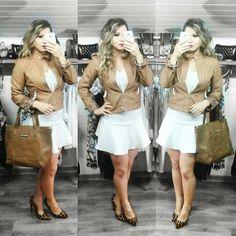 Look saia white #diva + jaqueta caramelo e bolsa #mara