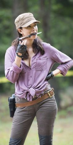 Women Of The Walking Dead : Christian Serratos as Rosita Espinoza