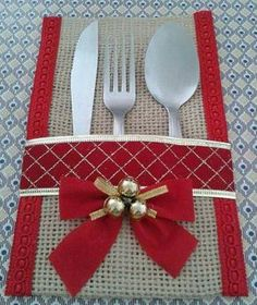 Best 12 Burlap Utensil / Silverware Holder with Poinsettia Flower / Christmas Holiday Utensil Holder Feature beautiful natural color burlap utensil/silverware – SkillOfKing. Christmas Makes, Felt Christmas, All Things Christmas, Christmas Home, Christmas Holidays, Christmas Ornaments, Burlap Crafts, Christmas Projects, Holiday Crafts