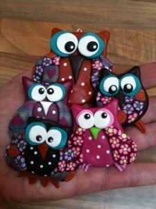Cute owl fridge magnets,created using cernit polymer clay. Magnets chouette / hibou en Fimo / pâte polymère