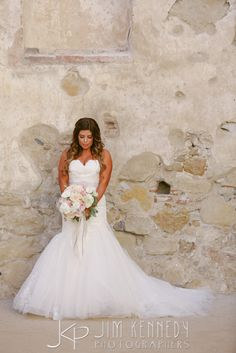 Gorgeous bride at the San Juan Capistrano Mission before heading to her Serra Plaza wedding | Coordination by Viv Milne | Jim Kennedy Photographers