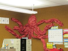 Octopus - Ocean Theme Classroom This is made from butcher paper