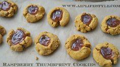 Autoimmune Paleo Raspberry Thumbprint Cookies Recipe on - Paleo Rezepte Raspberry Thumbprint Cookies, Thumbprint Cookies Recipe, Paleo Cookies, Pumpkin Cookies, Paleo Sweets, Paleo Dessert, Sin Gluten, Gluten Free, Dairy Free