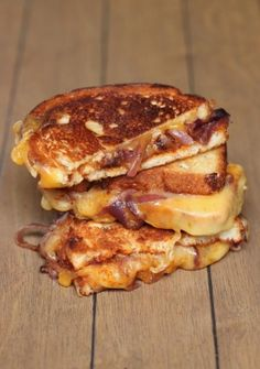 Carmelized onions, barbecue sauce and 2 cheeses between toasty bread slices. Adapted from Ring Finger Tan Lines blog.