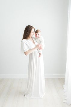 BEE MINE PHOTOGRAPHY // Akron Canton Cleveland Photographer // organic, motherhood, baby photography, white photography studio, mommy and me, 6 month old, child photography, natural light photography, studio photography