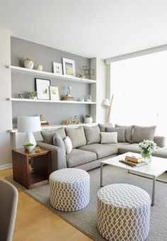 17 salas de estar con el gris como protagonista