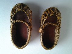 4706cf4c39e72 This is a cute pair of tiny decorative shoes. They could be used as  decoration