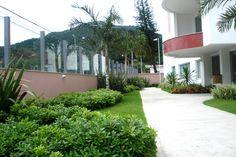 Villa Vernazza, Monte Verde, Florianópolis - SC // Projeto em parceria com o Paisagista Baiard Otto