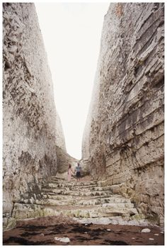 Botany Bay Engagement Shoot, Coastal, beach, UK, South East, chalk, cliff, dramatic, landscape | Kent Wedding Photographer | Rebecca Douglas Photography | Quirky, Soft, Natural, Creative
