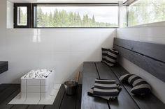 That looks really comfy Modern Saunas, Sauna Design, Finnish Sauna, Villa, Black Decor, Interior Inspiration, Architecture Design, Comfy, Interior Design