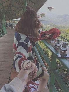 - follow pinterest Lê Đặng Thục Hân Ulzzang Couple, Ulzzang Girl, Parejas Goals Tumblr, Kawaii, Lovers Pics, Couple Aesthetic, Girls Selfies, Funny Couples, Skinny Girls