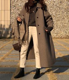 winter outfits korean Trendy dress winter outfit h - winteroutfits Aesthetic Fashion, Look Fashion, Aesthetic Clothes, Trendy Fashion, Winter Fashion, Fashion Mode, Womens Fashion, Fashion Trends, Korean Outfits