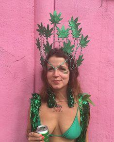 Carnival Costumes, Cool Costumes, Halloween Outfits, Halloween Costumes, Halloween 2019, Fascinator, Headpiece, Make Carnaval, Burning Man Art