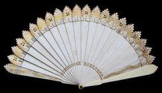 Regency Carnet de Bal (Dance Card) Brisé Fan - Date: ca. 1815-1830 - MadAboutFans.com