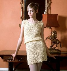 "Twiggy, 1960s beauty, 1960s hair, 1960s fashion, 1960s London, groovy, mod, 1960s models, Twiggy muse, Icon, ""it"" girl, Swinging Sixties, gamine, vintage fashion,"