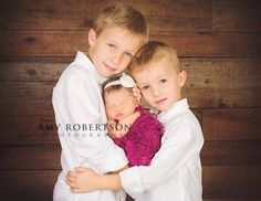 newborn sibling photo - so sweet