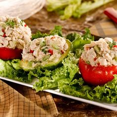 Try this simple, under 300 calorie recipe using minimal ingredients: chicken, mayonnaise, sweet pickle relish and chopped celery. Chicken Salad Recipes, Soup Recipes, Great Recipes, Dinner Recipes, Cooking Recipes, Chicken Salads, Favorite Recipes, Roasted Chicken And Potatoes, Garlic Chicken