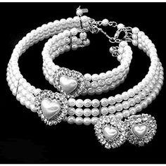Amazon.com: White Imitation Pearl Heart Rhinestone Choker Silvertone... ❤ liked on Polyvore featuring jewelry, womens jewellery, fake pearl jewelry, rhinestone jewelry, heart shaped jewelry e faux pearl jewelry