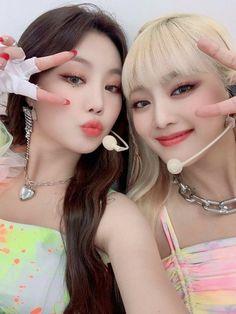 Kpop Girl Groups, Korean Girl Groups, Kpop Girls, Extended Play, Idol, Soyeon, Soo Jin, Mnet Asian Music Awards, I Love Girls
