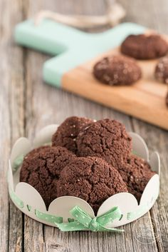 Low Carb Schokokekse ohne Zucker | Backen macht glücklich Sugar Free Cookies, Cake Cookies, Low Carb Desserts, Healthy Baking, Yummy Food, Yummy Yummy, Food And Drink, Sweets, Snacks