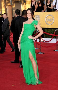 One of the Best Dressed at the SAG Awards for me!  Loved Emily Blunt for shying away from black and neutral and opting for this gorgeous shade of green!