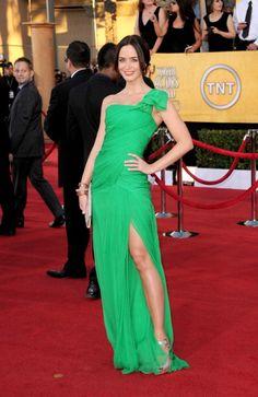 "Emily Blunt in Oscar de la Renta (""Oscar does the best greens"") #SAGawards"