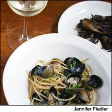 An elegant clam pasta with an Italian white wine. Pour a minerally Sicilian white with this rewarding, quick meal.