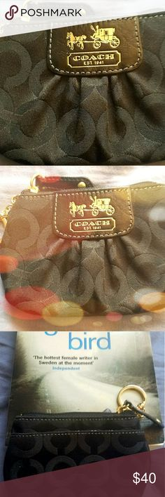 Coach documents pochette and key chain!😀 New, Coach documents holder, beautifully made. Never forget your keys again! Go out in fashion! #poshsistethood 💝💝👛👜👝🛍🎒💫 Coach Accessories Key & Card Holders