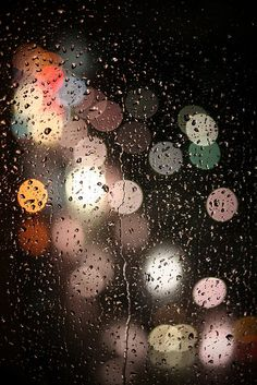 Bokeh rain and city lights Bokeh Photography, Night Photography, Rainy Night, Rainy Days, Rainy Mood, I Love Rain, Singing In The Rain, Singing Tips, Rain Drops