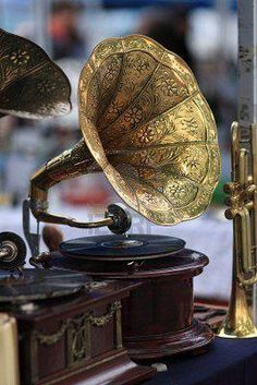 Vintage gramophone the old fashioned speakers