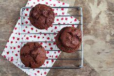 Egy finom Kakaós muffin nagyon egyszerűen ebédre vagy vacsorára? Kakaós muffin nagyon egyszerűen Receptek a Mindmegette.hu Recept gyűjteményében!
