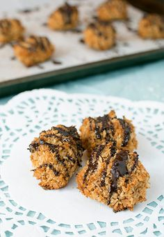 Delectable #keto chocolate covered macaroons for everyone to enjoy for the holidays. Plus, they double as a fat bomb! Shared via http://www.ruled.me/