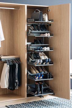Übersichtliche und platzsparende  Aufbewahrung für viele Schuhe zu Hause. #Schuhschrank #aufbewahrung #ordnung #Kleiderschrank #peka Furniture Manufacturers, Shoe Rack, Elegant, Closet, Design, Home Decor, Smooth, Hardware, Angel