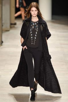 Barbara Bui Fall 2015 Ready-to-Wear Collection Photos - Vogue