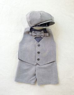 Ready to Ship Ring bearer outfit Newsboy by fourtinycousins, $102.00 I want this please love Malinda