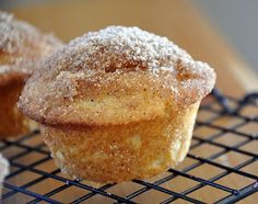 Velvet Lava: French Toast Muffins (another pinner says they're only 121 calories if you use skim milk. I doubt they're that low, by I'll be baking with almond milk anyway)