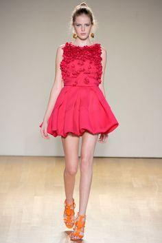 Antonio Berardi Spring 2011 Ready-to-Wear Fashion Show - Linnea Regnander