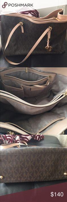 Authentic Michael Kors purse Brown handbag. In good condition. Authentic Michael Kors Bags Shoulder Bags