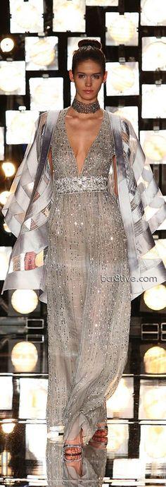 (no sleeves and a diff colour) Gattinoni Spring Summer 2007 Couture Lanvin, Givenchy, Balenciaga, Valentino, Grey Fashion, High Fashion, Woman Fashion, Beautiful Gowns, Beautiful Outfits