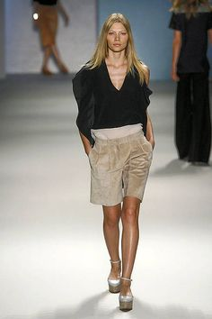 See the entire collection from the Derek Lam Spring 2011 Ready-To-Wear runway show.