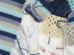 Beach Cottage Pillow   Lakeside Pillow Collection   Free Crochet Pattern   The Unraveled Mitten