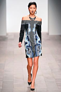 Holly Fulton Fall 2011 RTW - Review - Fashion Week - Runway, Fashion Shows and Collections - Vogue