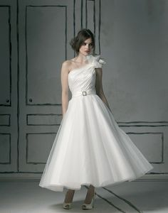 This Benjamin Roberts dress is so very lovely.