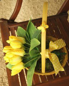 Cos cu lalele galbene #aranjament #flori #artificiale #floriartificiale #primavara #Paste #Pasti #Sfintelepasti #decoratiuni #cadou #unicat #infrumusetare #casa #birou #flowerstagram www.beatrixart.ro Paste, Cos, Spring, Instagram Posts