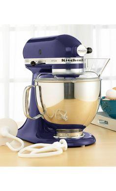 I always wanted a KitchenAid Mixer to bake cakes! #Sponsored