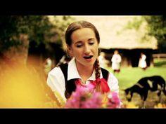 """Utwór pochodzi z albumu Rokiczanka """"W moim ogródecku"""", który można zamówić na http://www.rokiczanka.pl/cd.html  Rokiczanka na Facebook'u: https://www.facebook.com/pages/Rokiczanka-Polish-Folk-Group/272902446058496      Realizacja: FilmBrothers  http://www.filmbrothers.eu    Scenariusz, Zdjęcia: Damian Bieniek  Reżyseria: Piotr Smoleński  Montaż: Olga Cz..."""