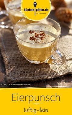 Mit diesem Rezept wärmen wir uns im Winter nu zu gerne auf: selbst gemachter Eierpunsch.