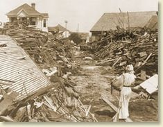 After the Great Storm ~ Galveston Hurricane Sept, 1900 Galveston Hurricane, Texas Hurricane, Hurricane History, Galveston Texas, Galveston Island, Water Flood, Old Photos, Antique Photos, Texas History