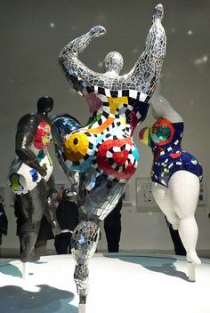 The Darkness Behind Niki de Saint Phalle's Colorful Beauties (Mosaic.)