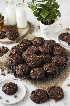 ÇİFT ÇİKOLATALI CEVİZLİ KURABİYE - Damy's Kitchen Damy's Kitchen, Cookies, Chocolate, Cake, Desserts, Pasta, Foods, Recipes, Crack Crackers